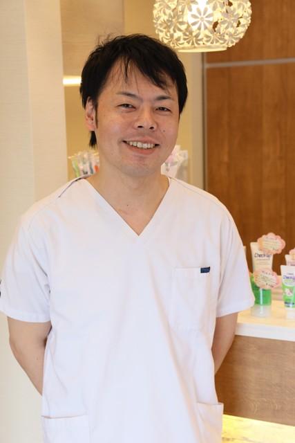 常勤歯科医師 石井 善仁(日本歯周病学会 認定医・歯学博士)